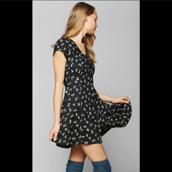 f91a62e38a3d Band of Gypsies Dresses | Dress Medium Black With Daisies | Poshmark